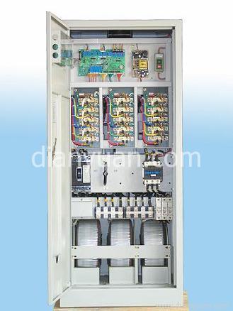 a/d转换,由单片机作出智能判断发出控制指令,通过双向可控硅的导通