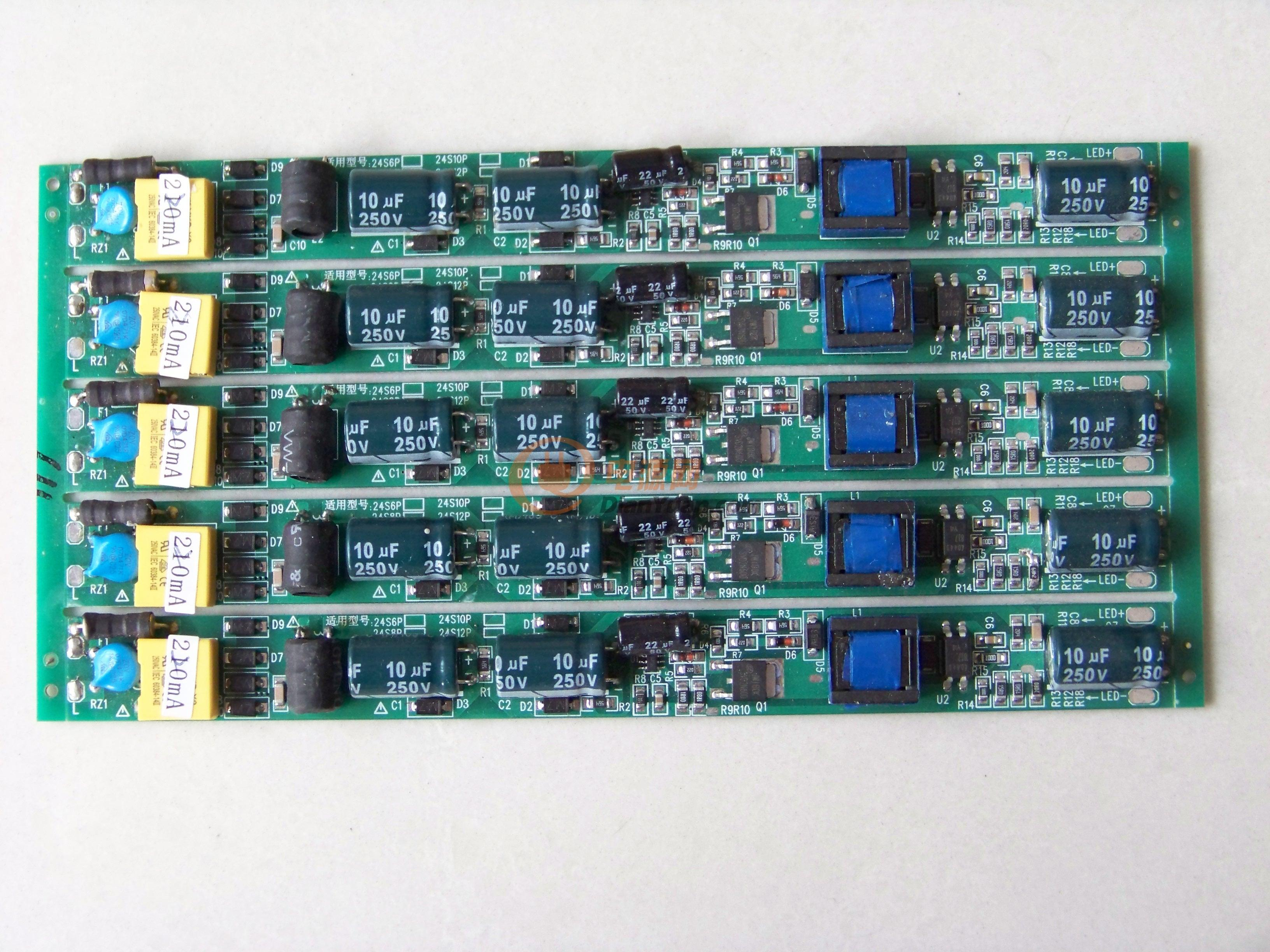 系统在90度以下,电流非常稳定。90度以上有轻微的负温度系数,这对于系统的安全是非常好的。(温度升高,电流减小,有助于减缓温度的进一步升高) 四、使用说明: 本产品两端各有两条引线,一端为AC输入端引两条黑色电子线,此端接AC150~265V交流电压,电源板上标示有L、N两个端点;另一端为DC输出端,PCB板上标示有LED+与LED-两个端点,各引一条红色与一条黑色电子线,红色接LED正极,黑色接LED负极。具体接线图如下:  注1:在装置电源时,请注意输入、输出端的正确安接,确认无误后才能通电; 注2: