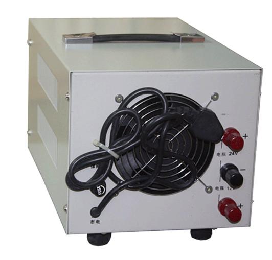 较大功率充电机由调压器调节充电电压和电流,充电电压可选择,充电电流