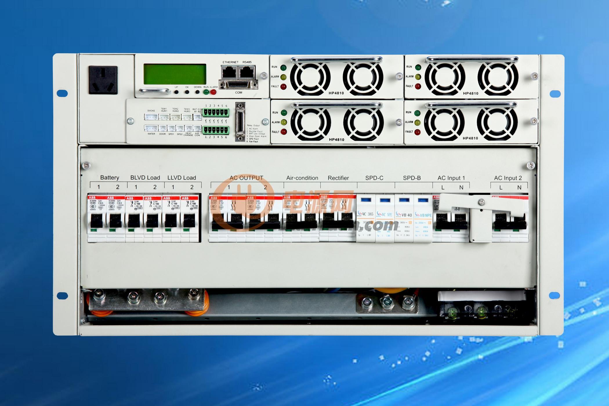 采用国际流行的19英寸/3U结构,可以方便嵌入各种通信设备和机柜  嵌入式电源系统采用有源功率因数补偿技术  交流输入电压正常工作范围宽至90~280Vac  系统工作温度范围宽至-25~+55  采用软开关技术,效率高 >91%  完善的电池管理,有负载下电和电池低电压保护等功能,延长电池寿命  系统采用无损伤热插拔技术,方便维护  完善的防雷设计,适应多雷暴地区  输入过、欠压保护  输出过压保护  输出过流保护  输出短路保护  监控模块带有液晶显示屏、以太网接口